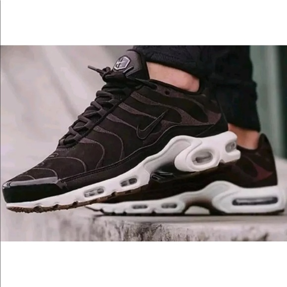 more photos a6bfd ee014 MENS Nike Air Max Plus EF Tuned Velvet Brown WHITE NWT